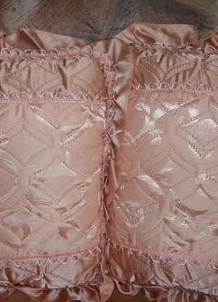 Комплект атласный (покрывало с рюшами + подушки)