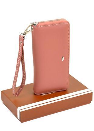 Розовый женский кошелек на молнии с кистевой петелькой из кожзама