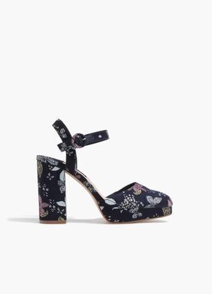 Туфли босоножки с толстым каблуком цветочный принт stradivarius