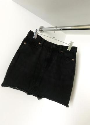 Чёрная летняя женская юбка джинсовая завышенная высокая талия посадка v вырез на запах