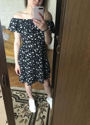 Платье в цветок, квітковий принт плаття