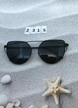Женские очки с черными линзами в черной оправе к.2315