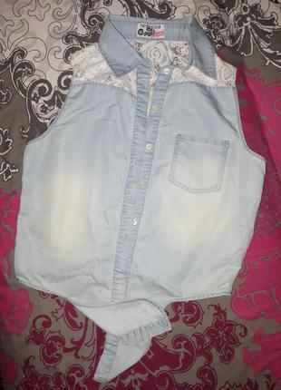 Укороченая джинсовая рубашечка с кружевом