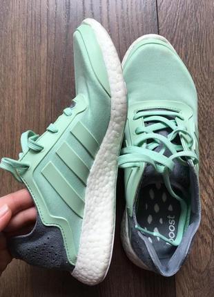 Легкие кроссовки для бега от adidas
