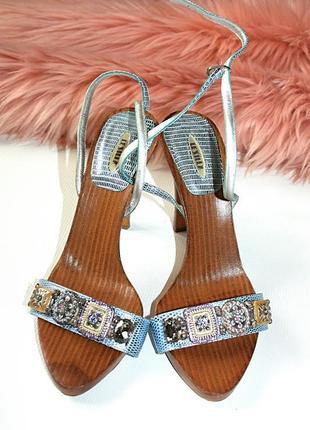 Босоножки на каблуке с камнями блеск дерево 100% кожа италия le silla оригинал (к000)