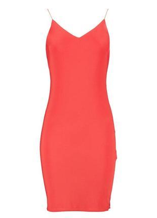 Эластичное платье с открытой спиной5 фото