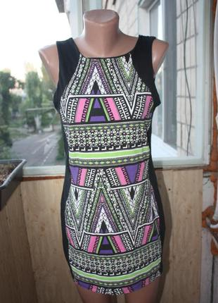 Платье мини по фигуре с орнаментами бохо