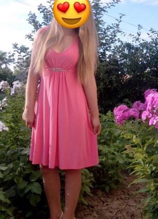 Платье цвета «коралловый»