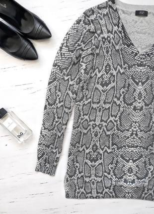 Кофта в модный актуальный принт f&f /uk162 фото