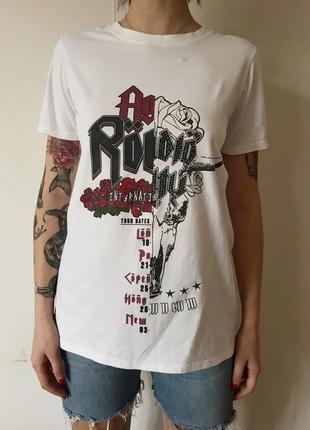 Необычная футболка с открытой спиной