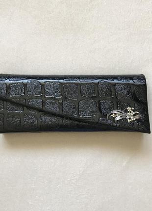 Чёрная лаковая вечерняя сумочка клатч