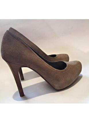 Натуральные замшевые туфли от бренда heidi klum