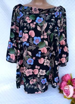 Шикарная блуза в цветы на плечи , рукава воланы  размер 12-16 (44-48)