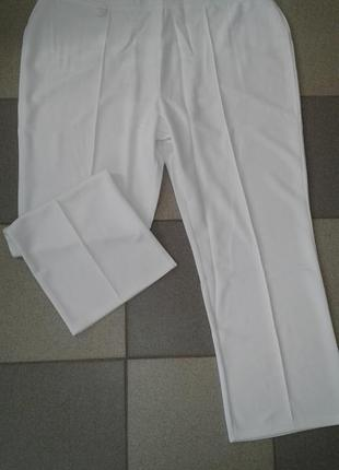 Белые брюки /классика /большой размер
