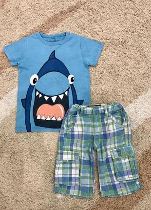 Комплект на мальчика шорты и футболка с акулой некст