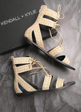 Kendall + kylie оригинал бежевые замшевые сандалии бренд из сша
