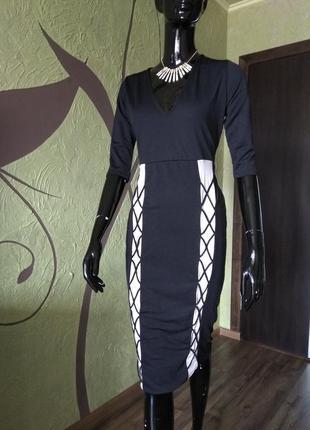 Платье с имитацией шнуровки