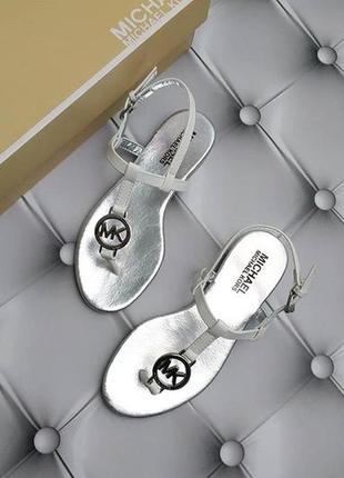 Michael kors оригинал сандалии босоножки белые с значком из сша1 фото