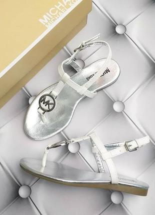 Michael kors оригинал сандалии босоножки белые с значком из сша2 фото