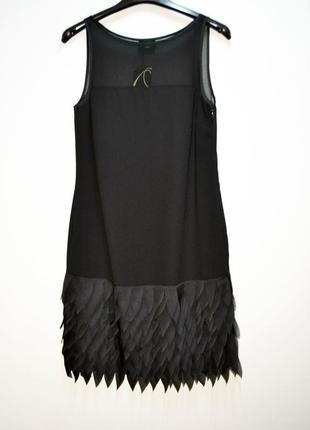 Стильное черное платье с красивым низом