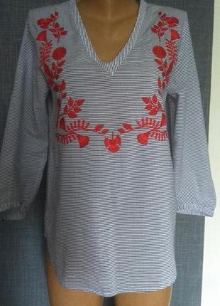 Красивенная  рубашка с вышивкой idano