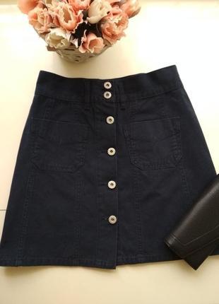 Джинсова юбка на пуговиці