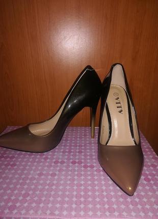 Туфли. лодочки. босоножки. обувь женская. туфли лодочки.туфли на шпильке