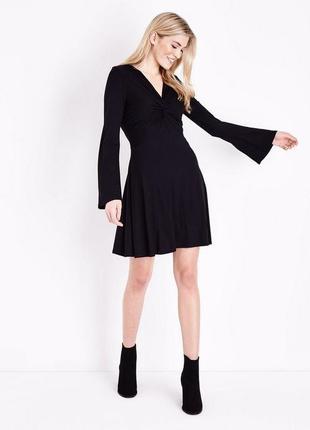 Шикарное маленькое черное платье