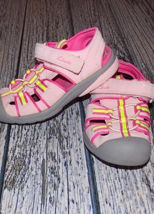 Фирменные босоножки clarks для девочки . размер 11.5 f
