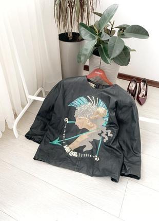 Кожаная кофта/куртка под косуху с рисунком