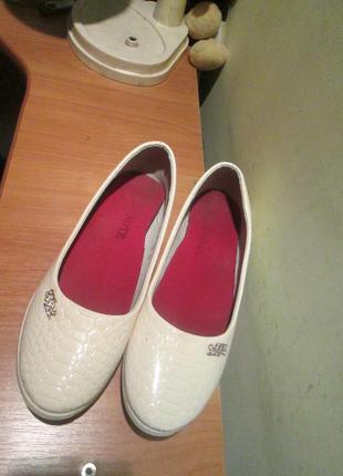 Туфли р.36.обувь из европы.(легкое б/у)
