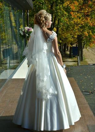 Чарівна весільна сукня2 фото