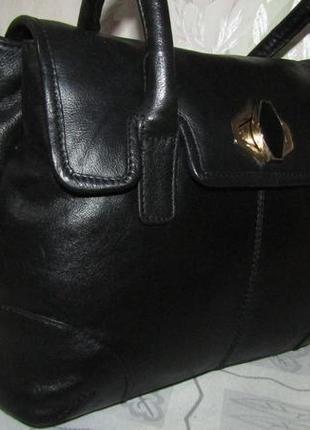 Удобная , стильная сумка 100 % кожа - collection debenhams -