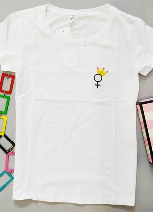 Белая хлопковая футболка женская много рисунков