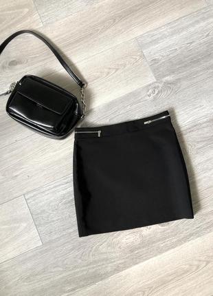 Чёрная юбка прямого кроя mango s размер как новая
