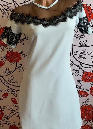 Нежное платье с гипюром и сеткой