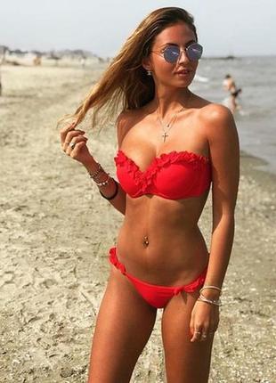 Купальник раздельный бикини  с push-up плавки бразилиана красный