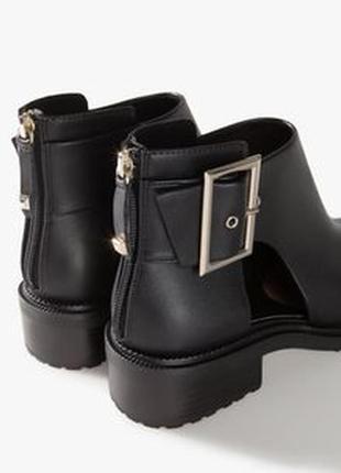 Новые кожанные ботинки,туфли от stradivarius