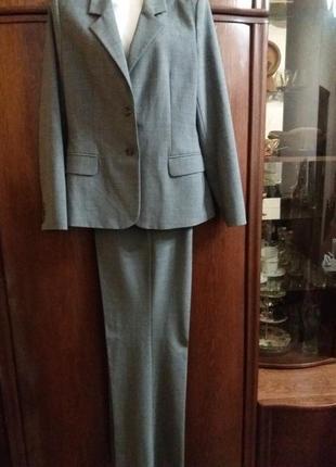 Брючный костюм-----mexx-14р м-л