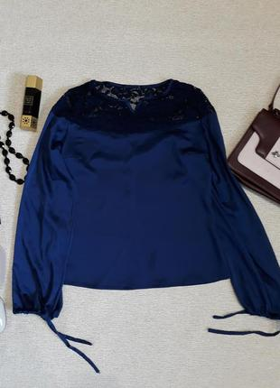 Стильная синяя блуза с завязками на рукавах