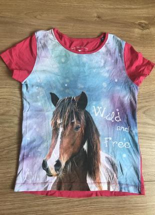 Стильная футболка с принтом лошади