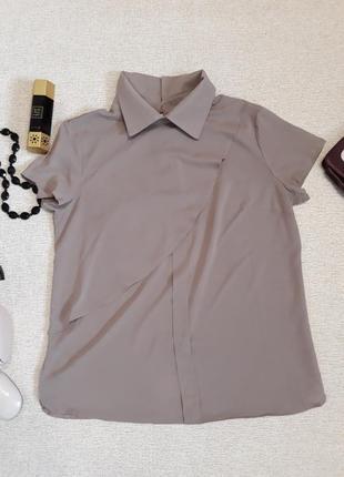 Блуза бежевого цвета