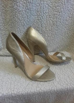 Туфли под золото