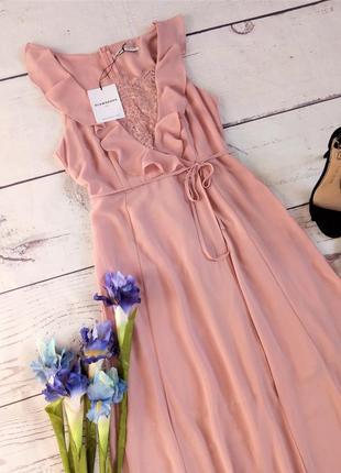 Роскошное платье в пол на запах с рюшами цвета пыльной розы