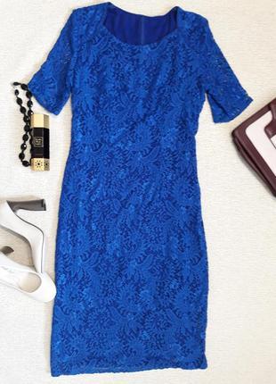 Шикарное платье синего цвета с кружевом