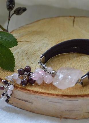 Браслет из кожи с гранатом и розовым кварцем  «оберег любви»3 фото