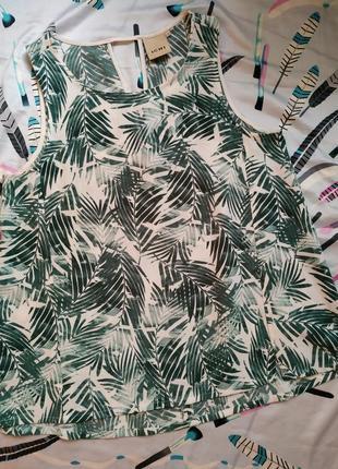 Очень классная маечка футболка блуза с тропическим принтом