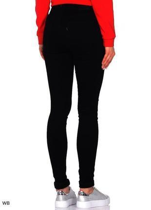 Крутые актуальные черные джинсы jeans узкие скинни