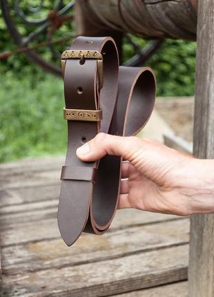 Кожаный ремень коричневый под джинсы с латунной пряжкой ручной работы