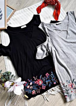 ⭕ черная блуза с вышивкой и переплетом, с открытыми плечиками papaya